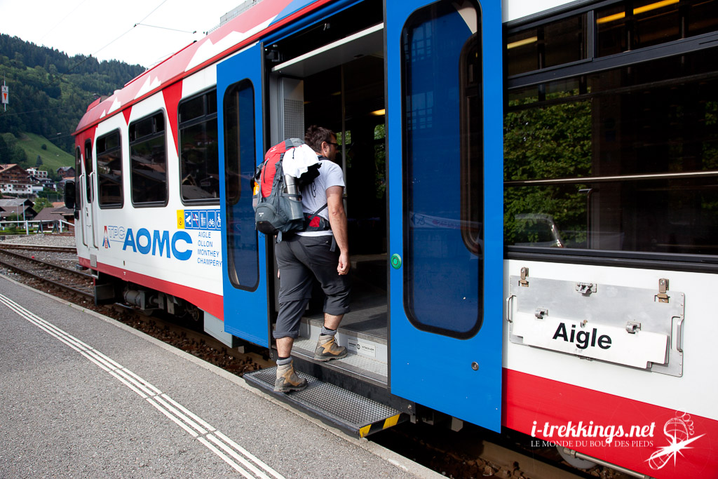 10 treks dans les Alpes accessibles en train ou en bus